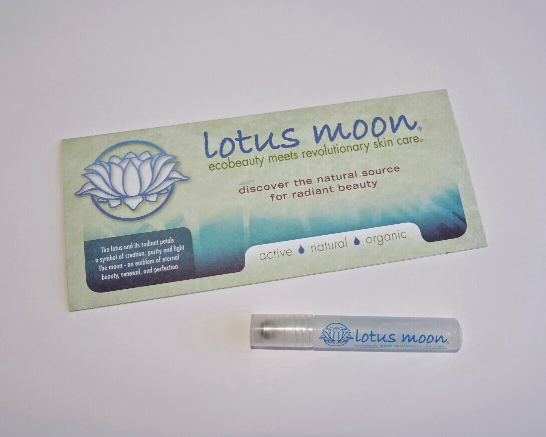 Lotus Moon Hydro-Therapy Eye Serum Review #LotusMoon via www.productreviewmom.com