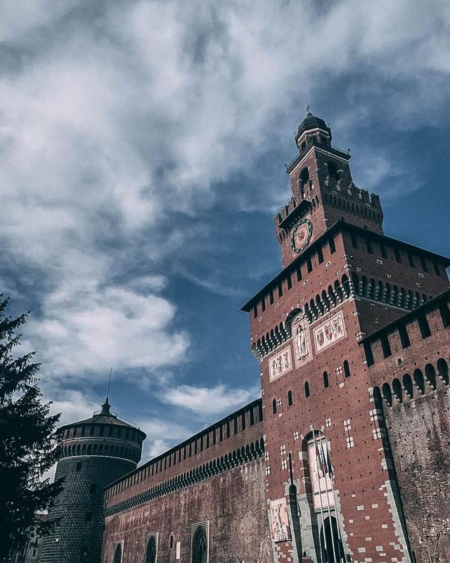 Las murallas del Castillo Sforzesco