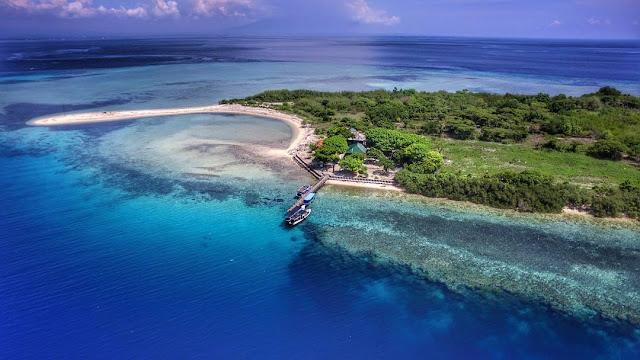 foto pemandangan pulau menjangan bali