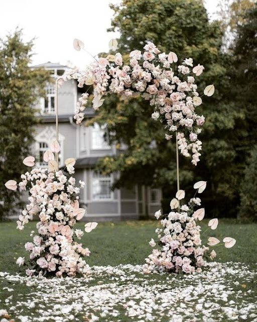 K'Mich Weddings - wedding planning - floral arches - ceremony