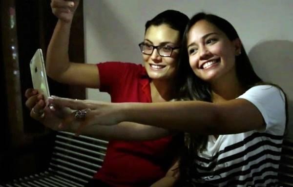 Celulares com flash frontal: conheça cinco modelos e faça selfies melhores