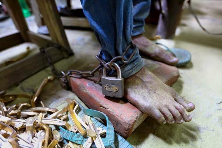 9ce346bfdcb Angels in Hell ou l insoutenable travail des enfants au Bangladesh ...