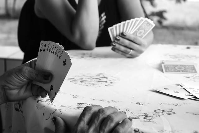 Poker beginner mistakes