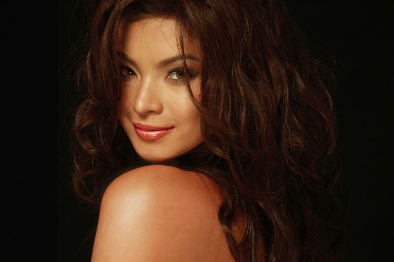 angel locsin topless photo