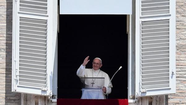 El Papa Francisco interrumpió su misa para dar un mensaje por la eliminación de Brasil