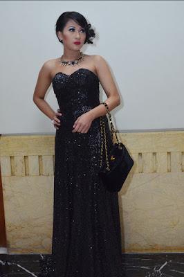 Gaun hitam Panjang Tata Idol