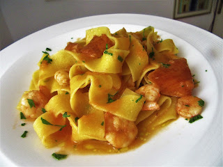 Delicious shrimps with pasta