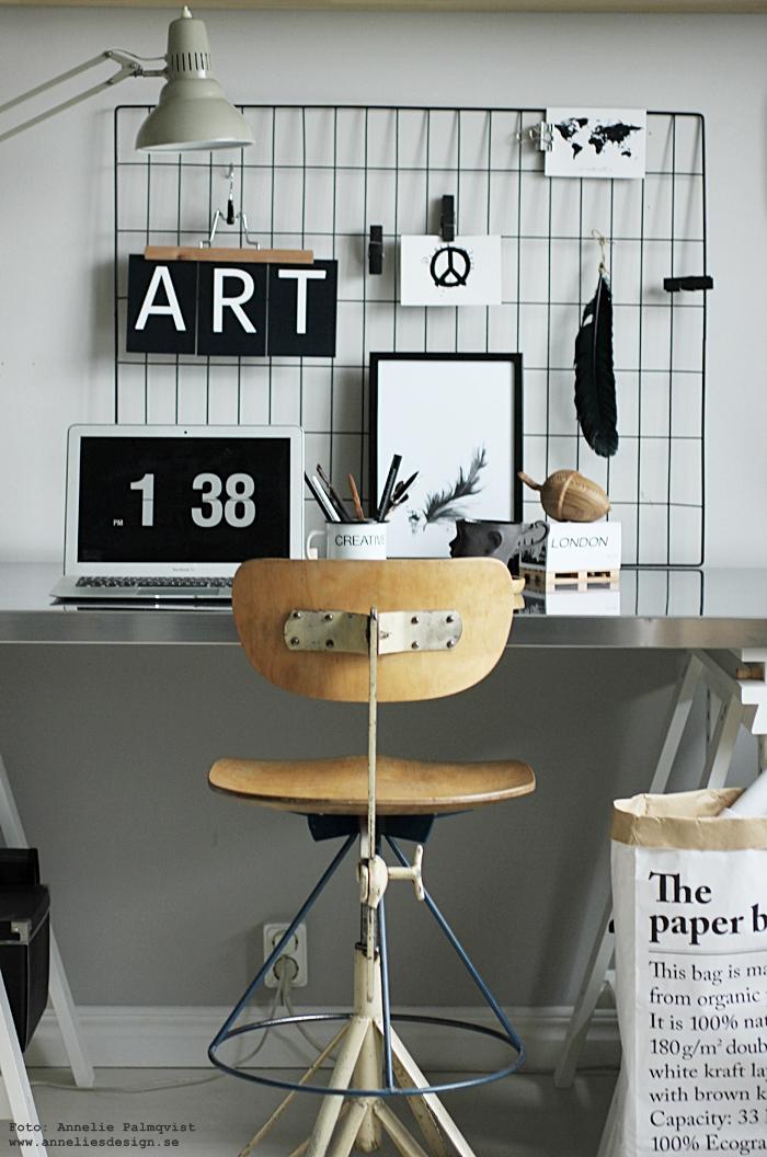 vykort, arbetsrum, hemmakontor, inredning, le sac en papier, papperspåse, kontor, arbetshörna, vykort, bokstäver, siffror, svart och vitt, svartvit, svartvita, annelies design, webbutik, webshop, nätbutik, nätbutiker,