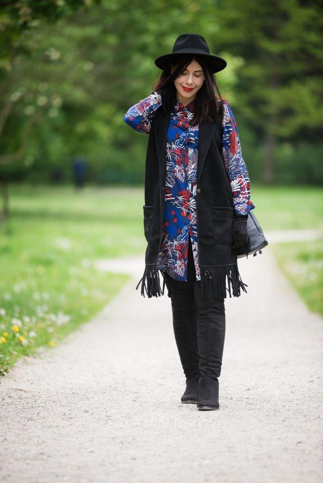 zamszowa kamizelka boho | styl boho blog | styl boho | stylizacja z kapeluszem | styl boho na wiosnę | muszkieterki | tunika w kwiaty H&M | jak nosić styl boho? | blog szafiarski | blog o modzie Łódź | blogerka z Łodzi | blogerka w kapeluszu