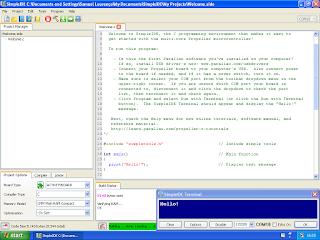 Aplicação SimpleIDE com terminal de comunicação série aberto.