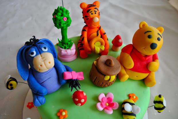 Mackie Pooh Bear Cake And Cupcakes