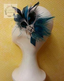 tocado de plumas en azulón, turquesa y plata