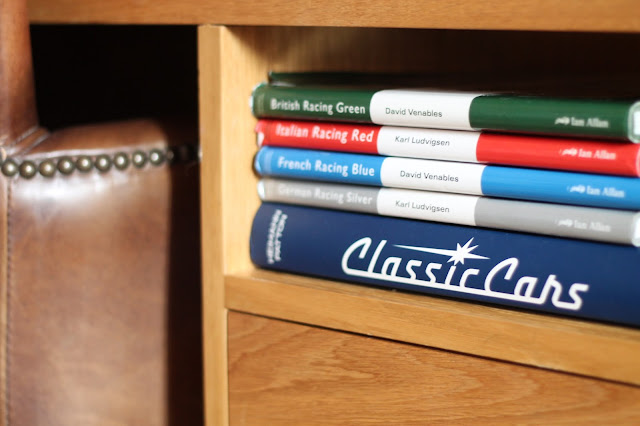 little touches in hotel room at the hardwcik abergavenny classic car books