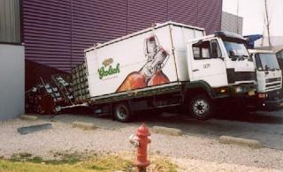 Smijšne slike kamion se uzdigo