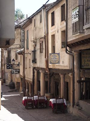 Restaurante en un callejón