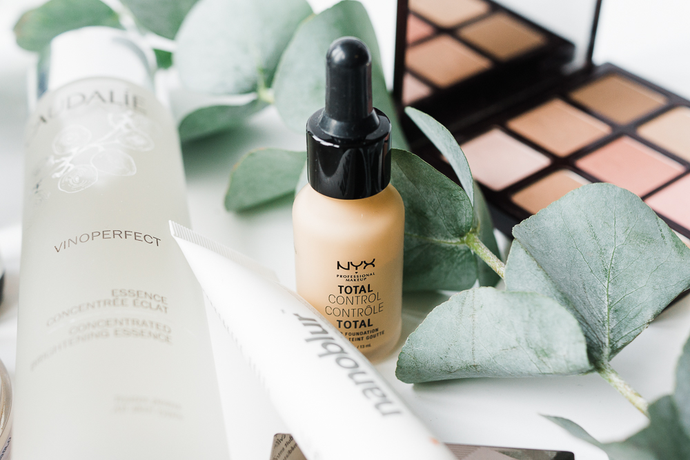 NYX-foundation-drops-review-Barely-there-beauty-blog-photography