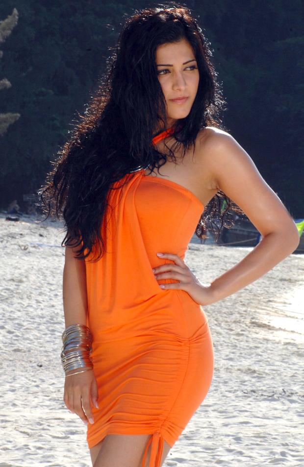 Shruti hassan sexy hot images