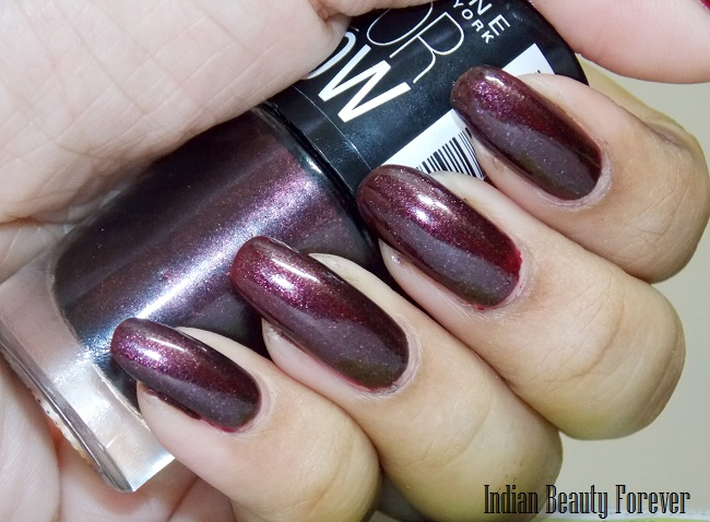 Maybelline Color show nail polish Wine & Dine Bold Gold