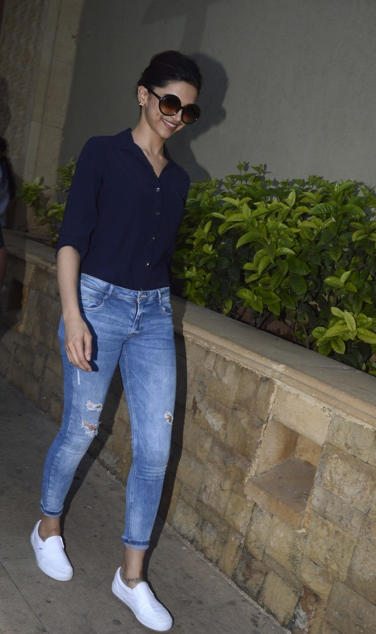 Indian Actress Deepika Padukone Movie Promotes Photos In Blue T Shirt Jeans