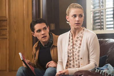 Riverdale Lili Reinhart and Casey Cott Image (20)