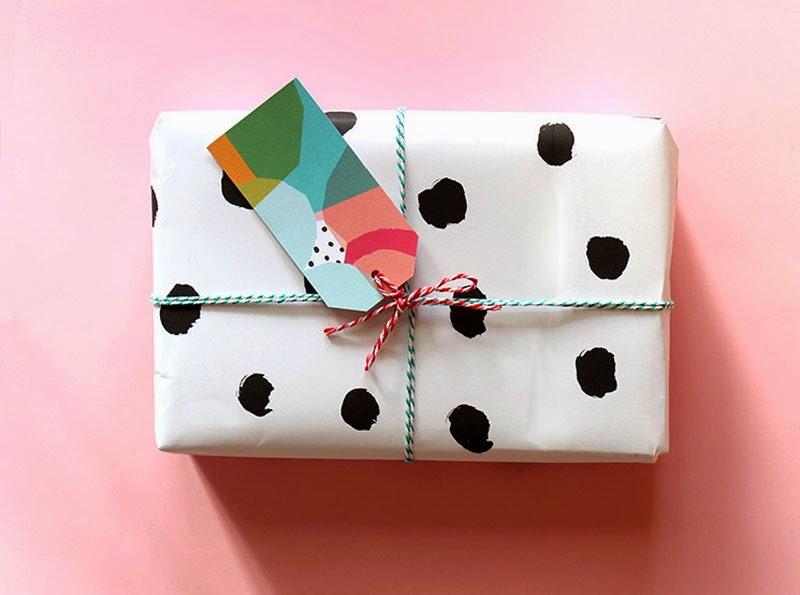 DIY para envolver regalos infantiles