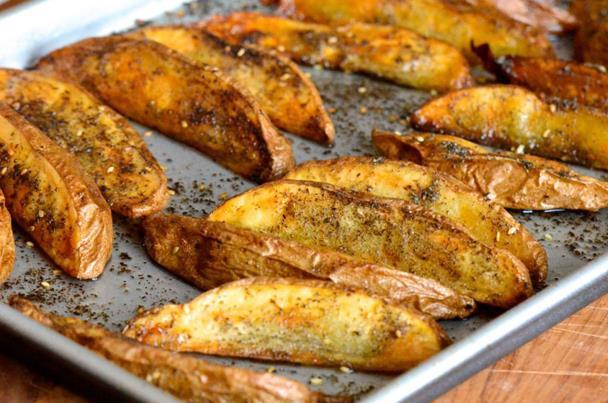 بطاطس مشوية بالزعتر