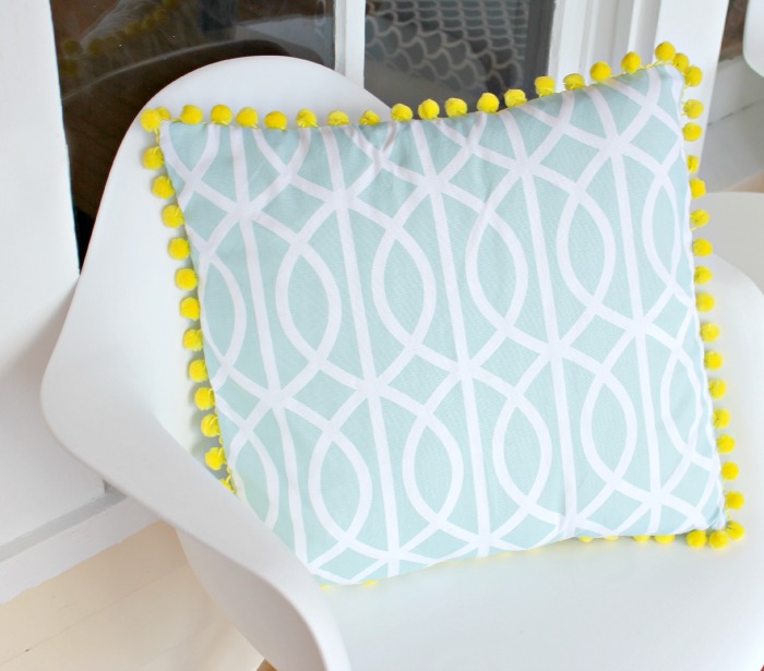 7+PomPomPillow3 16 Spring Home Decor Projects 41