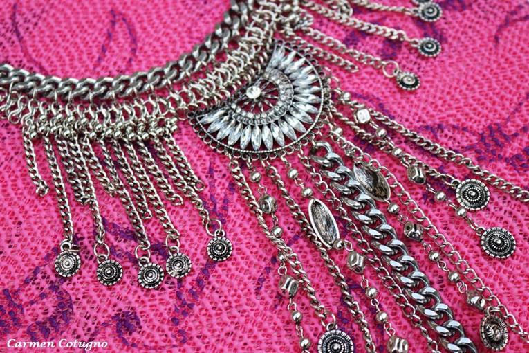 collana lunga con charms