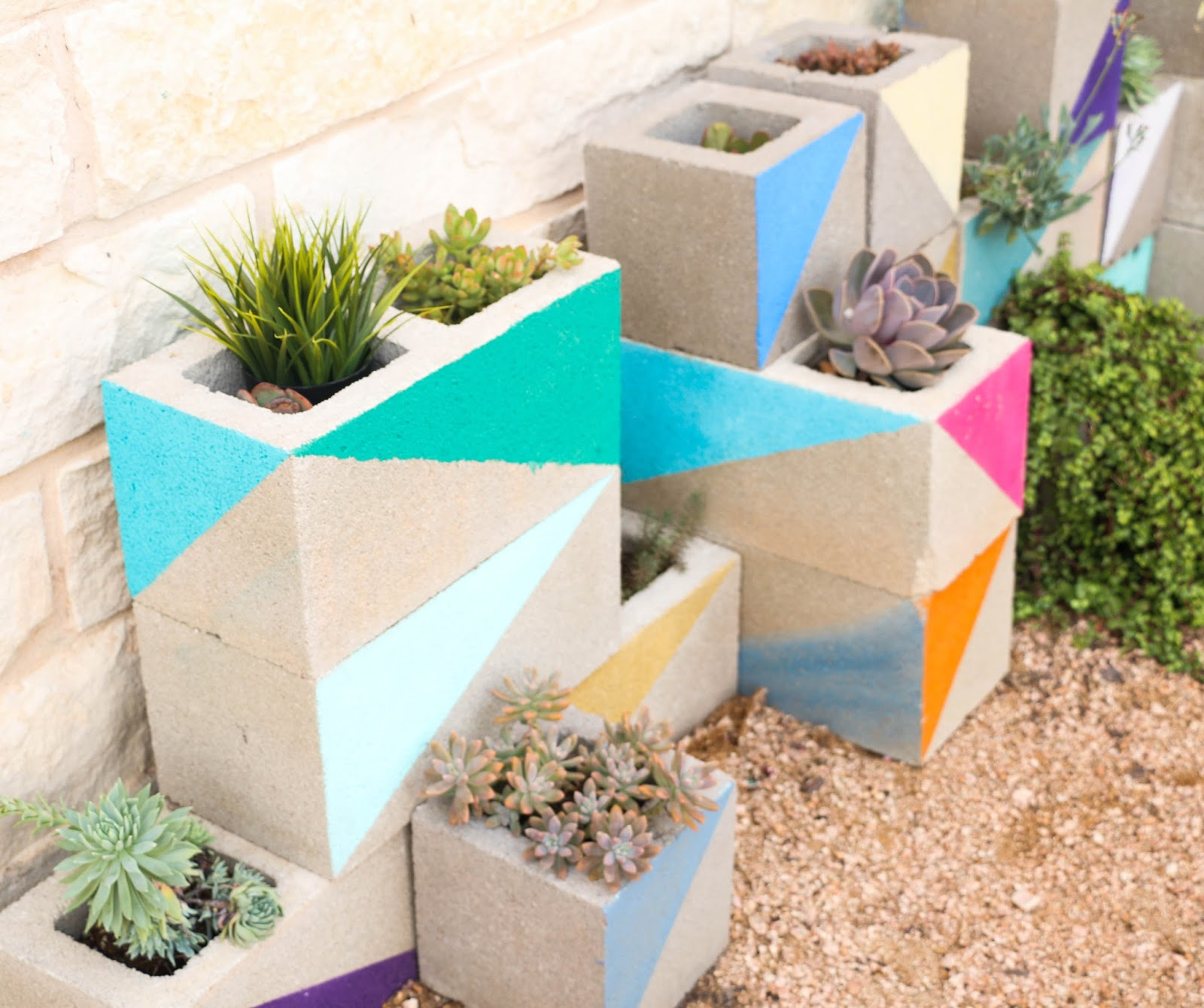 d%2Bcinderblock%2Bplanter%2B2 25 Stunning Planter Concrete Blocks Alternatives to Transform Your Backyard And That Are All Your Front Porch Needs Interior
