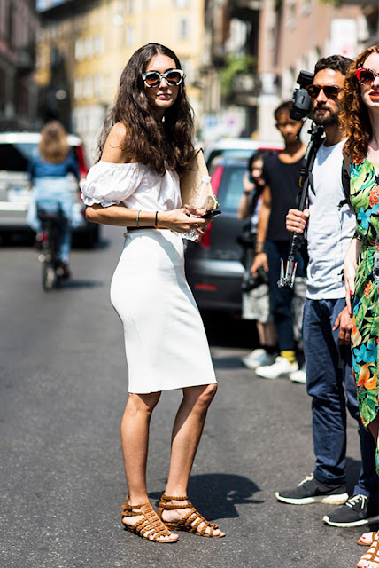 off the shoulder trend, off the shoulder silhouette, off the shoulder top, off the shoulder bohemian, off the shoulder ruffled top, off the shoulder dress, off the shoulder knit, biggest spring trend 2016, street style, all white outfit,