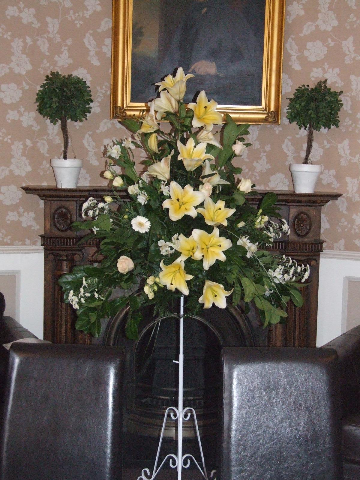sandra 39 s flower studio charlotte house hotel wedding flowers. Black Bedroom Furniture Sets. Home Design Ideas