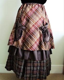 Lucy Locket mori skirt with velvet pockets by karen vallerius