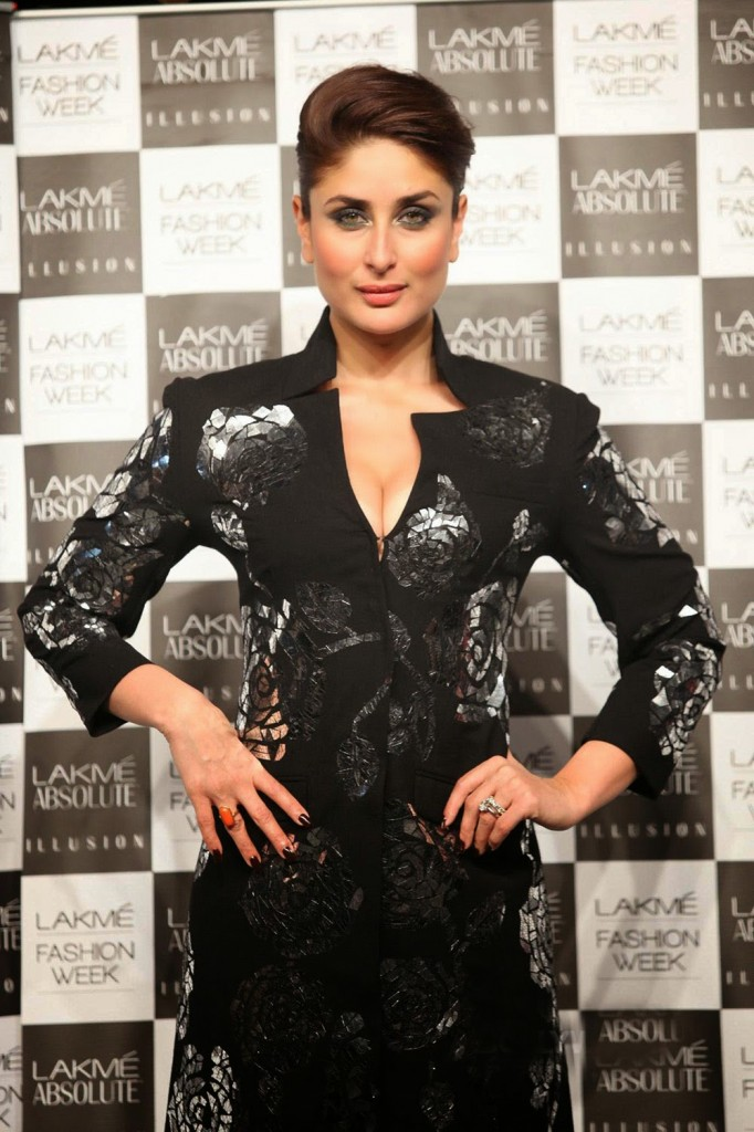 Kareena Kapoor Stills In Black Dress