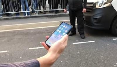 Baru Dibeli, iPhone X Dijatuhkan 20 Kali ke Jalanan Beraspal