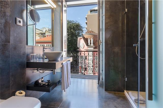 hotel con encanto en la ciudad de Lisboa baño chicanddeco