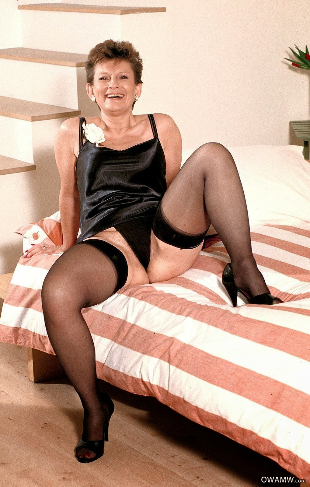 With old pantyhose xxx