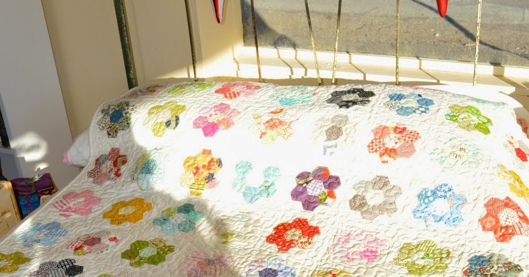 The Quilt Barn Hexagon Flower Quilt Tutorial