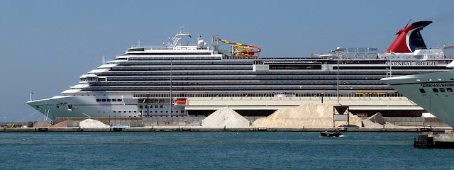 Carnival Breeze, IMO 9555723, port of Livorno