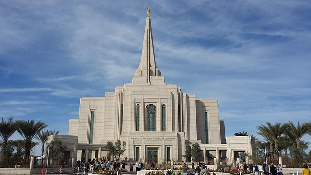 Lindo Templo SUD onde as famílias podem ser seladas por toda a eternidade