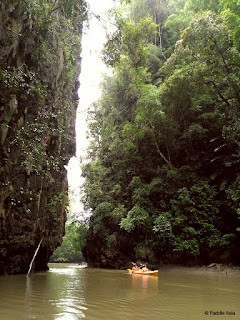 Sea canoeing trip in Krabi canyon