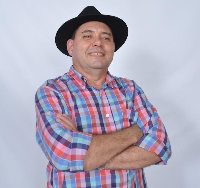 """Parnamirim: Professor cordelista de escola pública lança o livro """"Elogio à Leitura"""""""