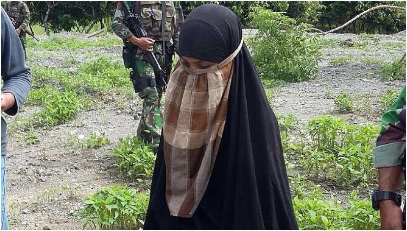 Jumiatun Muslim alias Atun alias Bunga alias Umi Delima saat diamankan