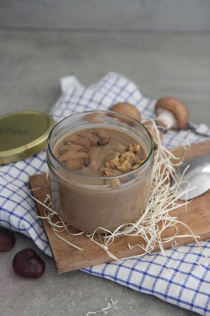 Cuillère et saladier : Velouté châtaignes et champignons (vegan)