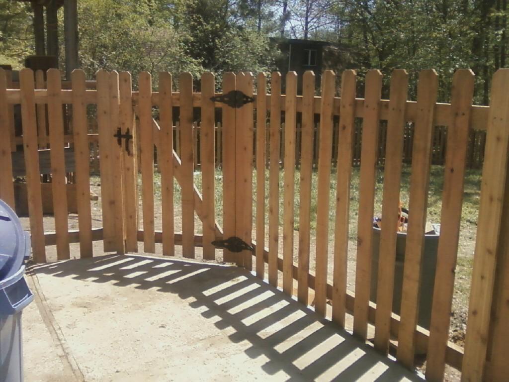 K  U0026 M Fence  5 U0026 39  Tall Spaced Picket Using Western Red Cedar Dogear Fence Boards