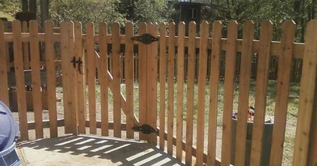 K Amp M Fence 5 Tall Spaced Picket Using Western Red Cedar