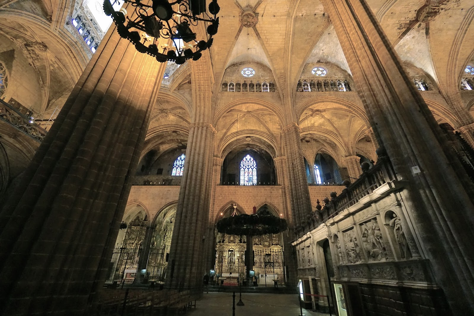 サンタ・クレウ・イ・サンタ・エウラリア大聖堂(La Catedral de la Santa Creu i Santa Eulàlia)