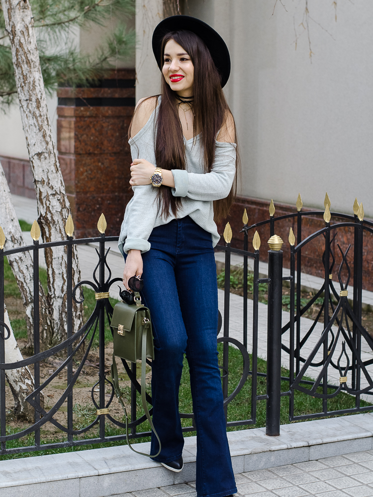 fashion blogger diyorasnotes flared jeans hat chicme top boho style