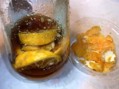 RIMG0242レモンはちみつ漬けと皮はお風呂に_400.jpg