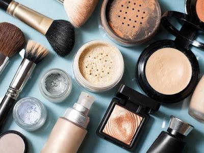 Waspada Kosmetik Lama Anda Bisa Jadi Meningitis dan Sejenisnya