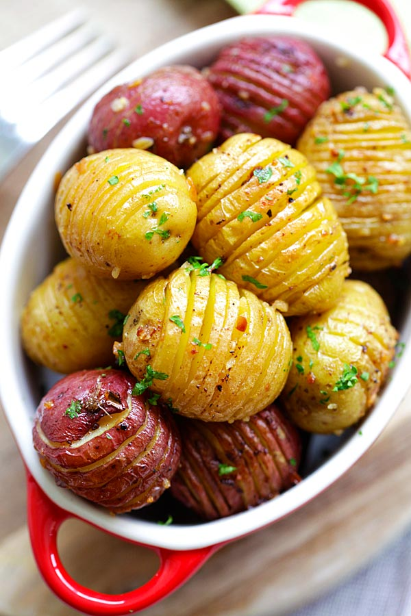 #Recipe : Garlic Roasted Potatoes
